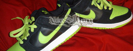 Nike SB Black/Neon Dunk Sample
