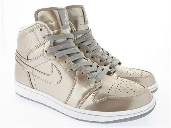 Nike Air Jordan I Retro High In Patent Leather 9