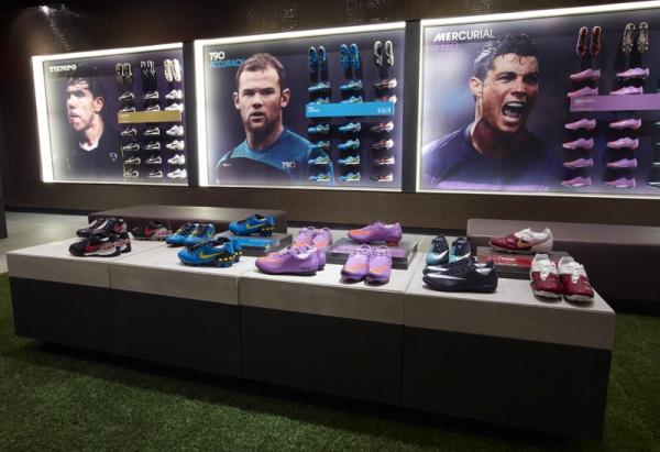 Nike Paris's Boat Room 05