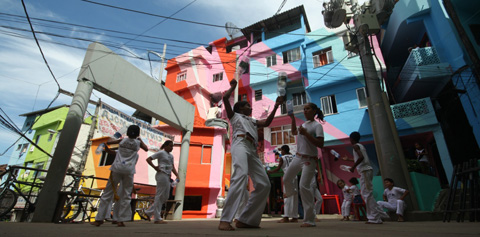Painting Favelas Santa-Marta