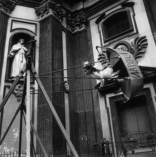 Siren City- Photographs of Naples at The Estorick Collection of Modern Italian Art 03