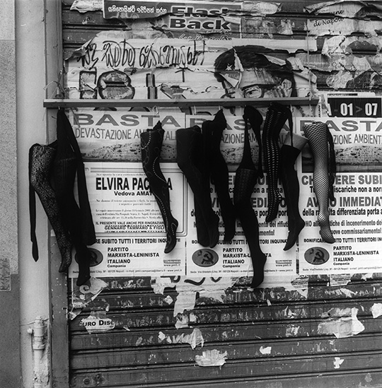 Siren City- Photographs of Naples at The Estorick Collection of Modern Italian Art 04