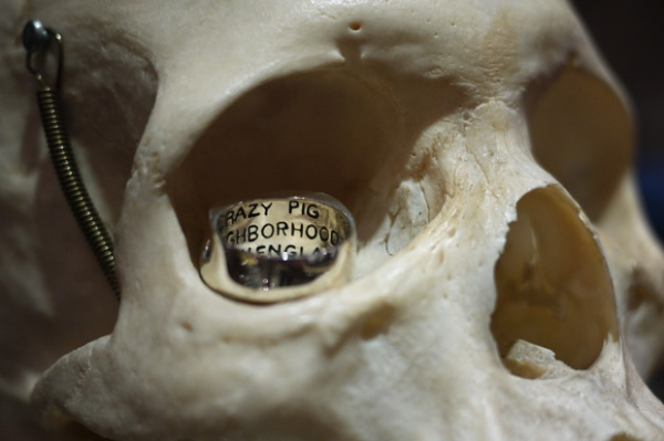 Crazy Pig Designs x Neighborhood Skull Ring 02