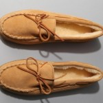 Minnetonka-Pile-Lined-Hardsole-Slipper-1