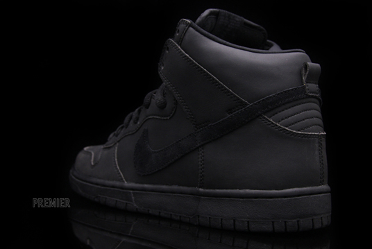 nike-sb-dunk-high-waterproof-5