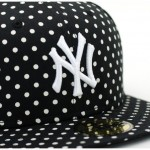 Yankees-Dot-Series-Black-3-570x522