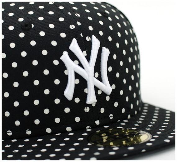 Yankees-Dot-Series-Black-3-570x522