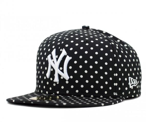 Yankees-Dot-Series-Black-570x475