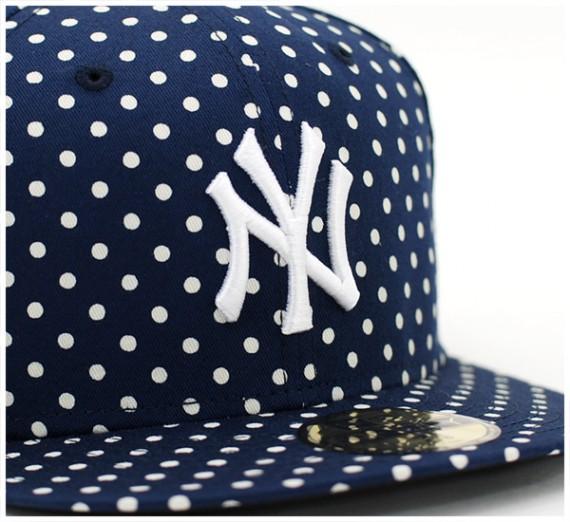 Yankees-Dot-Series-Navy-3-570x522