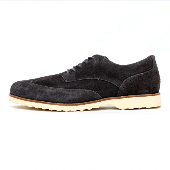 Wing-Tip-Shoes-2-570x570