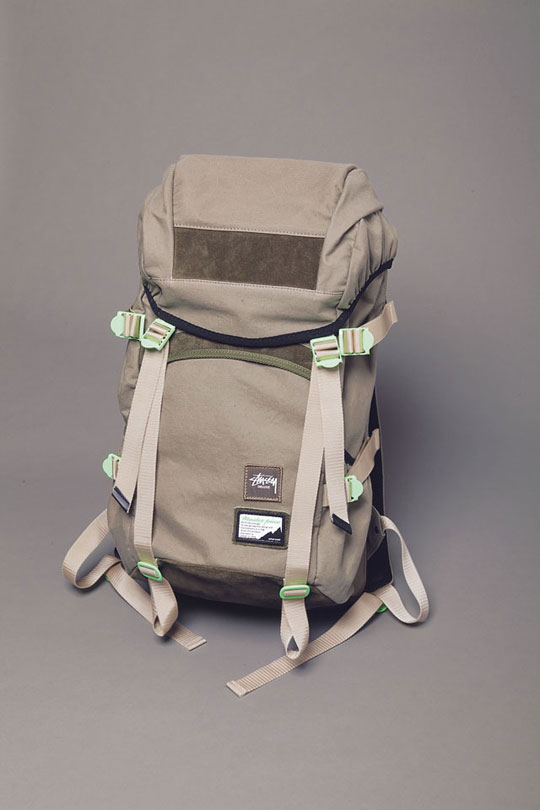 stussy-deluxe-master-piece-backpack-1