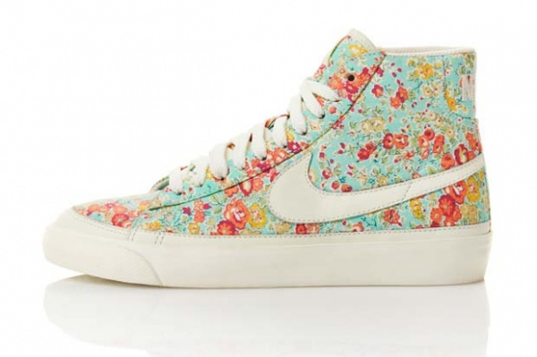 nike-sportswear-liberty-collection-3