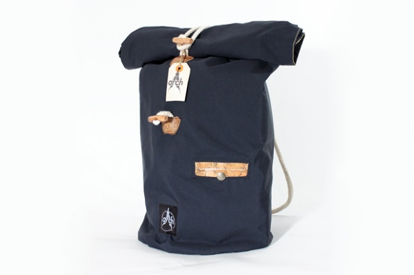 arch-spring-2011-bags-03