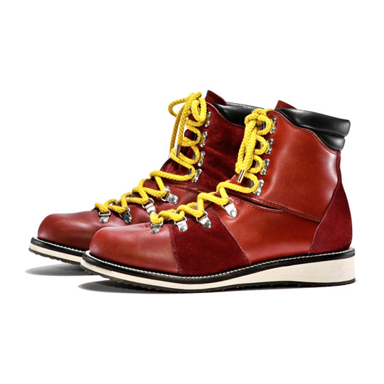 White-Mountaineering-Boots-Fall-Winter-2011-06