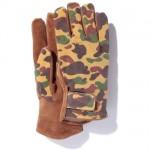 bape-1st-season-camo-leather-gloves-01