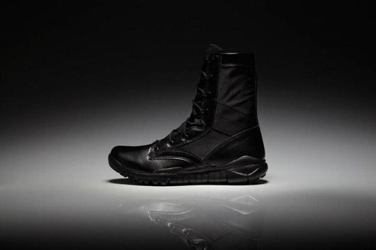 Nike-Sportswear-SFB-Boot-Holiday-2011-03