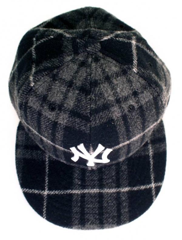 New Era Limited Edition Yankees Baseball Cap - top