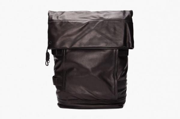 3-1-phillip-lim-2012-spring-summer-black-knapsack-1-620x413