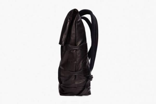 3-1-phillip-lim-2012-spring-summer-black-knapsack-3-620x413
