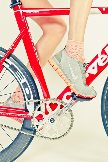 5-road-bicycles-1-woman-sharp-photoshoot-09-360x540