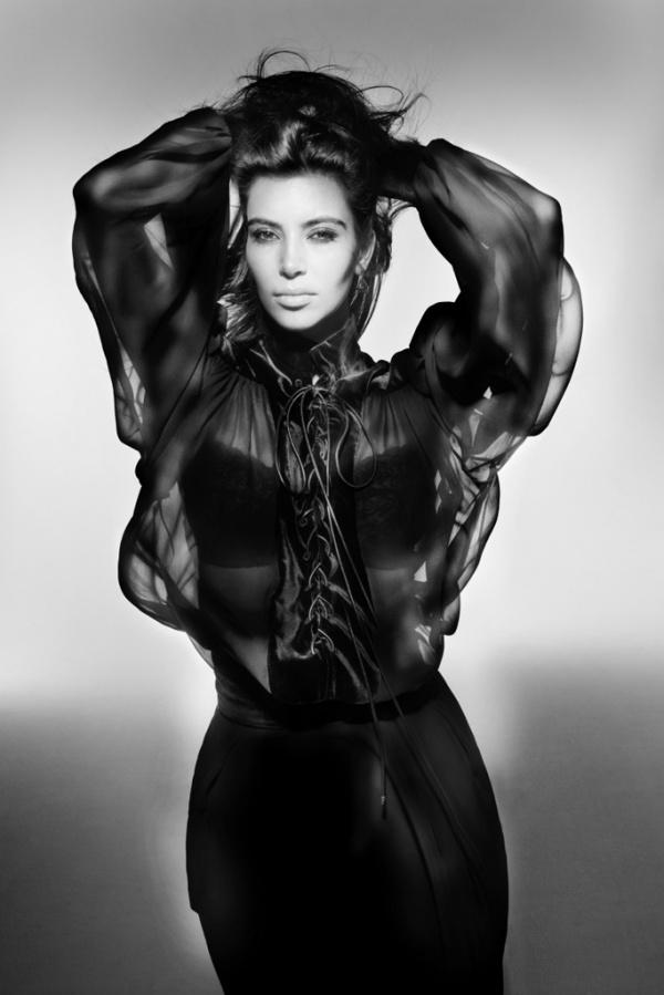 kim-kardashian-for-v-magazine-by-nick-knight-3