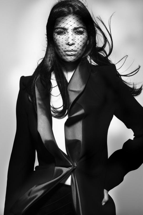 kim-kardashian-for-v-magazine-by-nick-knight-5