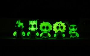 kidrobot-x-the-simpsons-zombie-treehouse-of-horror-2